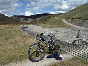 Walks Moray & The Speyside Way Author: Peter & Rosemary Koch-Osborne
